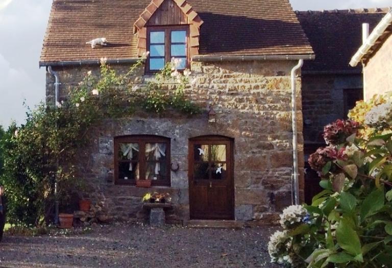 Confortable et au calme, charmant cottage avec jardin