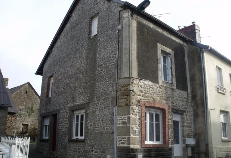 Maison rénovée, dépendance, garage et jardin