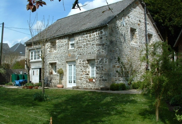 Charmante maison de hameau avec jardin