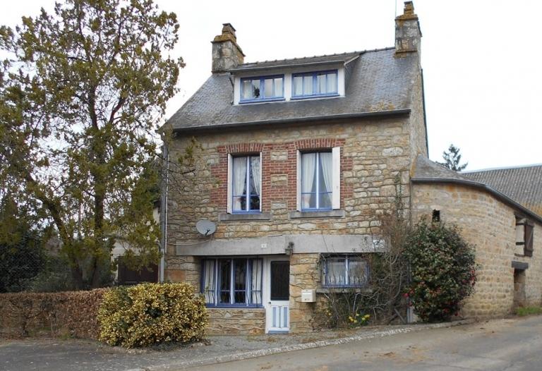 Maison de village, 2 jardins, garage et atelier