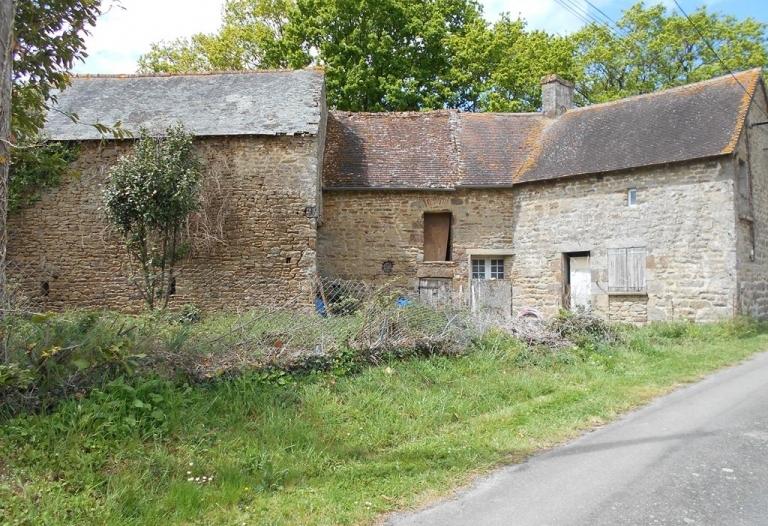 Maison en pierres à rénover, dépendance et grange