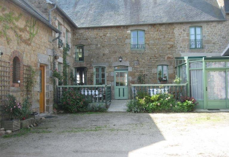 Superbe propriété avec maison d'habitation et gite/chambres d'hôtes